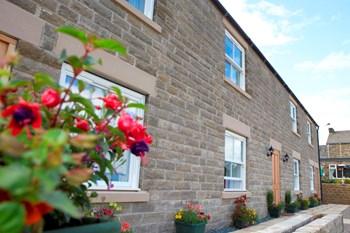 Black Swan bedrooms exterior