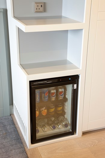 Mini bar unit
